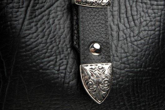 Πουγκί πλάτης με vintage αγκραφα - Μαυρο
